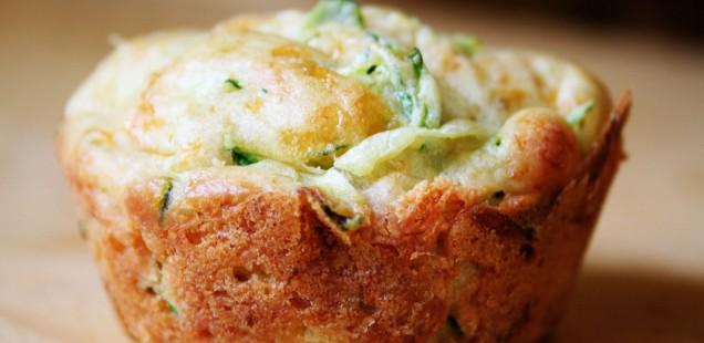Courgette-muffins met feta en munt