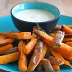 Friet van zoete aardappel met limoenmayo